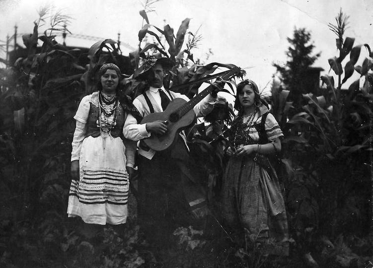 """12.09.1932 rok. Dożynki organizowane przez Towarzystwo Gimnastyczne """"Sokół"""", na ..., stare zdjęcia -"""