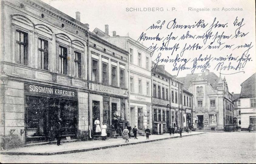 """Początek XX w., apteka """"Adler"""". Jak widać kamienica pierwotnie nie posiadała bal..., stare zdjęcia -"""