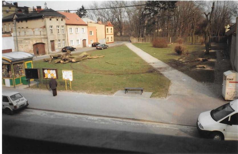 Rok 2007, wycinka drzew pod budowę parkingu. Fotografia wykonana z balkonu domu ..., stare zdjęcia -