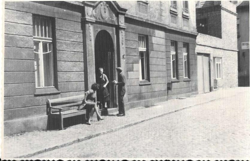 Kamienica przy ulicy Chmielnej 4, lata sześćdziesiąte., stare zdjęcia -