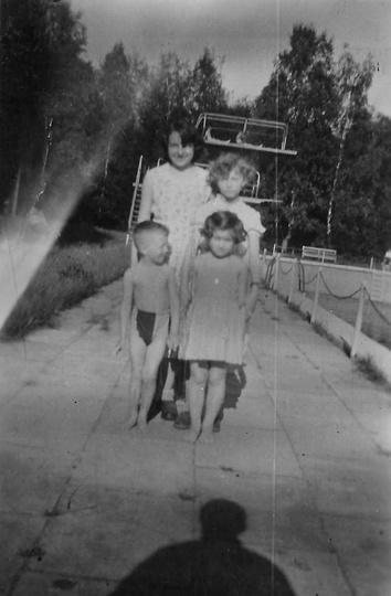 Ostrzeszowski basen, połowa lat pięćdziesiątych. Ze zbiorów Andrzeja Cichosza., stare zdjęcia -