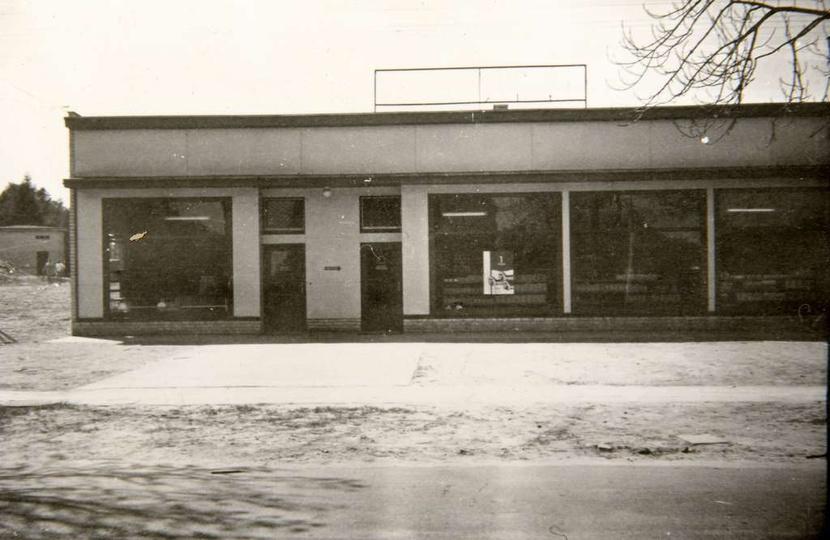 Osiedle M. Nowotki (Zamkowe). Otwarcie nowego pawilonu nastąpiło 21 marca 1967 ..., stare zdjęcia -