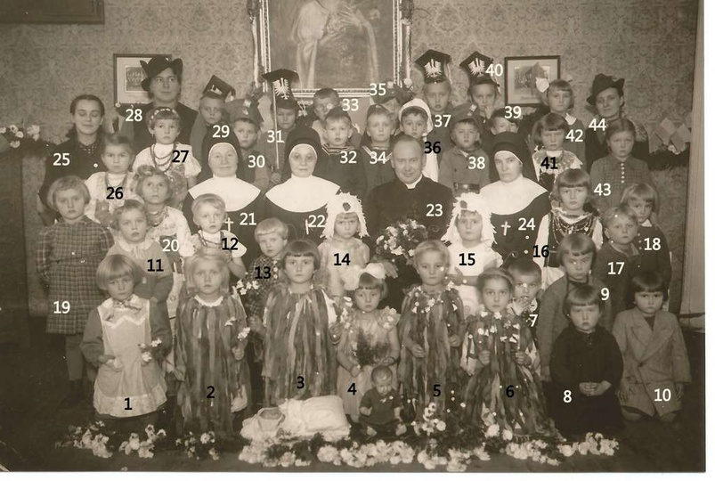 Zdjęcie wykonano w przedszkolu parafialnym, prowadzonym przez siostry Nazaretank... -