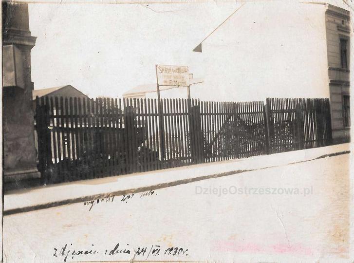 24 06 1930 rok, ulica Kolejowa 49, skład węgla i materiałów budowlanych Francisz..., stare zdjęcia -