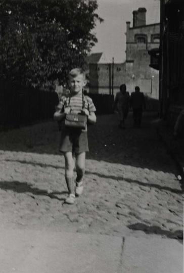 Koniec lat 50-tych, ulica Garncarska, w głębi widoczne zabudowania browaru przy ..., stare zdjęcia -