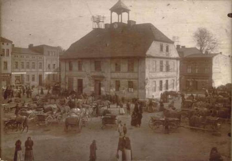 Rynek na początku XX wieku - ze zbiorów Muzeum, stare zdjęcia -