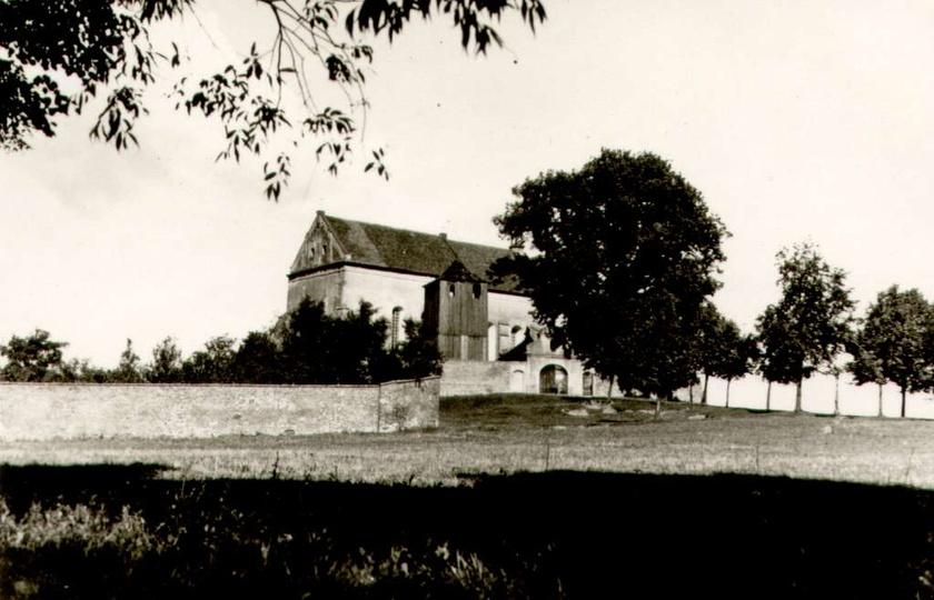 Pobernardyński Zespół Klasztorny, lata trzydzieste. Dobrze widoczna drewniana dz..., stare zdjęcia -