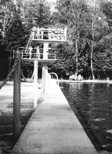 Ostrzeszowski basen, koniec lat sześćdziesiątych. Chciałem  napisać REWELACYJNE ..., stare zdjęcia -