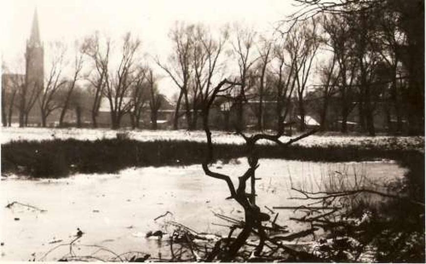 Łąka przy klasztorku, stare zdjęcia -