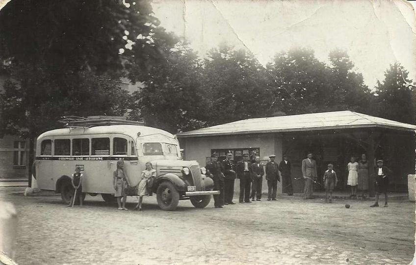 Dworzec autobusowy  w Ostrzeszowie. Lata trzydzieste., stare zdjęcia -