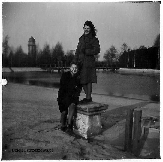 Ostrzeszowski basen, lata pięćdziesiąte. Kąpielisko przed przebudową, dobrze wid..., stare zdjęcia -