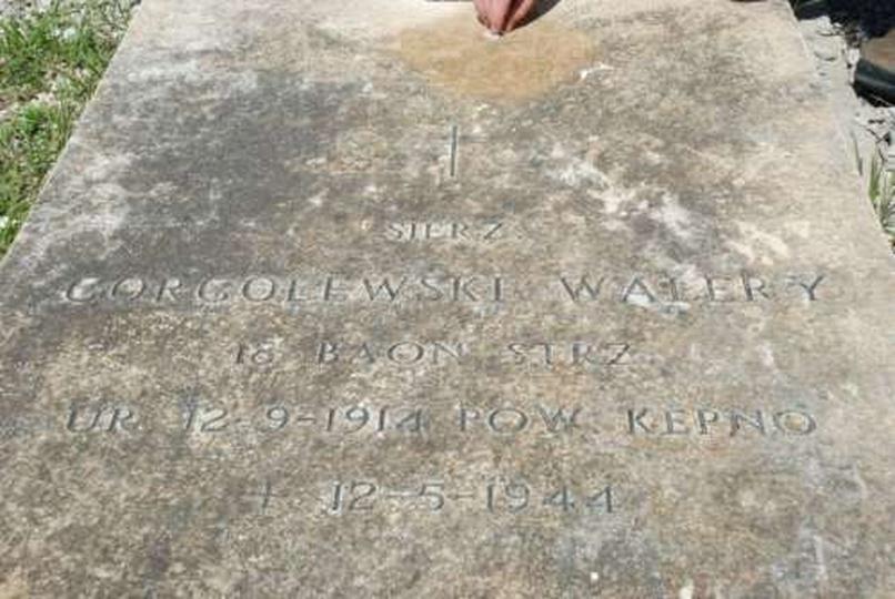 Grób Walerego Gorgolewskiego na polskim cmentarzu wojennym pod Monte Cassino, stare zdjęcia -