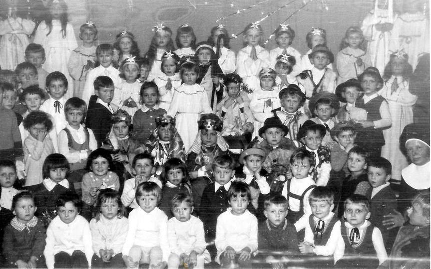 Jasełka rok ok. 1975. Jeszcze wtedy była w Ostrzeszowie jedna wspólna parafia. D..., stare zdjęcia -