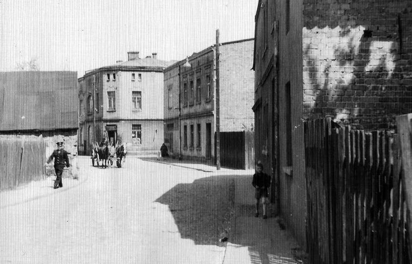 Ulica Daszyńskiego, lata 60-te. Pierwsza ulica w prawo to Targowa, następna w pr..., stare zdjęcia -