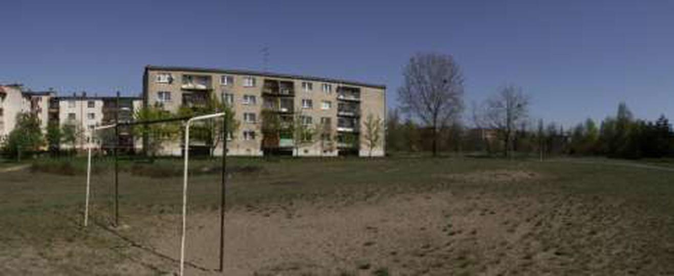 Boisko na os. Piastów - 19 kwietnia 2009 r., stare zdjęcia -
