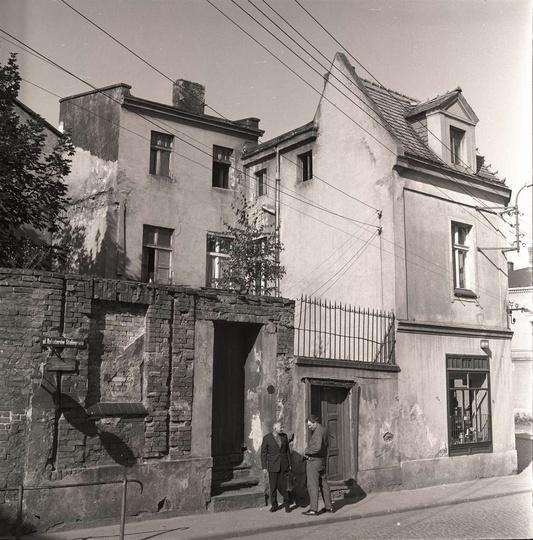 Rok 1971, ulica Boh. Stalingradu, miejsce gdzie obecnie stoi księgarnia. Budynki..., stare zdjęcia -