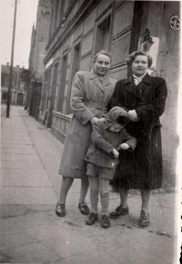 Połowa lat pięćdziesiątych, zbieg ulic Armi Czerwonej (Kolejowa) i Sienkiewicza...., stare zdjęcia -