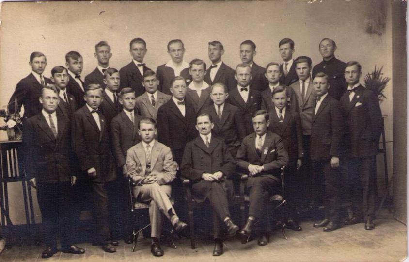 Trzecio-kursiści Państw. Sem. Naucz. w Ostrzeszowie. Rok 1928/9, stare zdjęcia -
