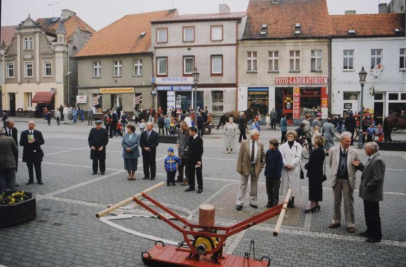 06.05.2001 rok, obchody 125-lecia Ochotniczej Straży Pożarnej. Gdy uważnie się p..., stare zdjęcia -