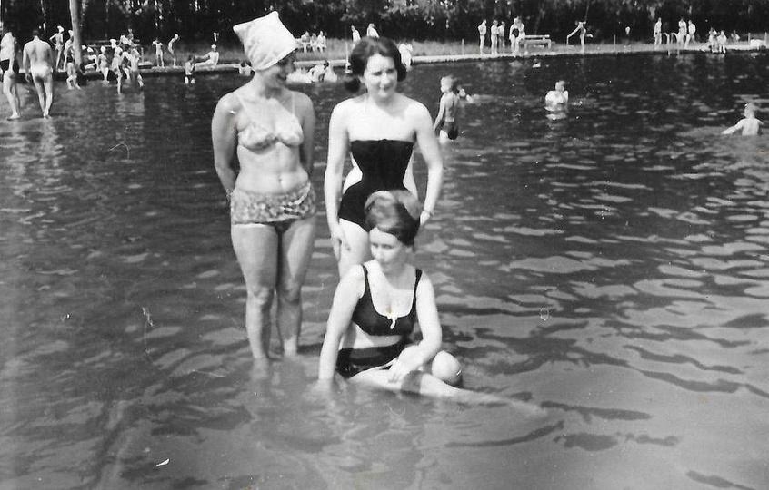 Ostrzeszowski basen lata siedemdziesiąte. Za zdjęcie dziękujemy Jackowi Płachci... -