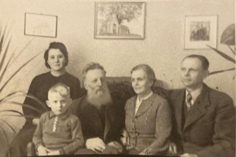 Antoni Serbeński - malarz i pedagog. Od 1931 roku zamieszkał na stałe w Ostrzesz..., stare zdjęcia -