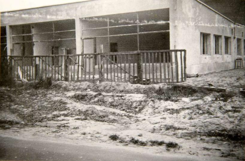 Oś. M. Nowotki (Zamkowe) W dniu 18 lutego 1970 roku rozpoczęto budowę pawilonu ..., stare zdjęcia -