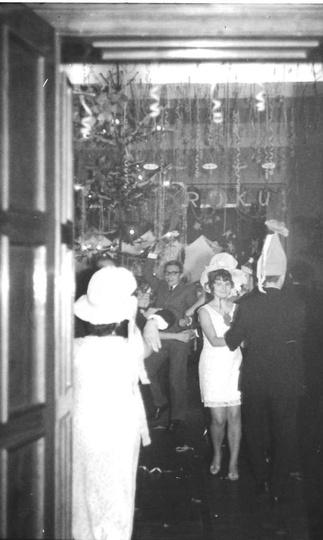 Bal sylwestrowy dla pracowników Prezydiów Rad Narodowych. 31 grudzień 1970r., stare zdjęcia -